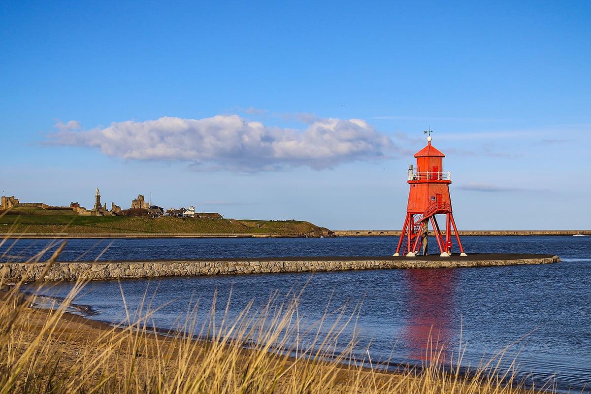 Herd Groyne & Lighthouse, South Shields - photo credit: nickfrom / Pixabay